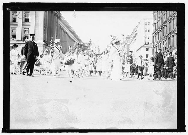 Suffragettes parade, Wash., D.C., 1915