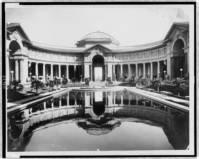 [The Court of Palms; facade of the Palace of Education (left) and the facade of the Palace of Liberal Arts (right), Panama-Pacific International Exposition, San Francisco]