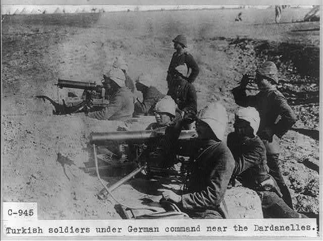Turkish soldiers under German command near the Dardanelles