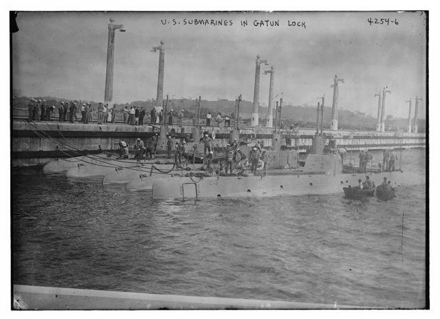 U.S. submarines in Gatun Lock