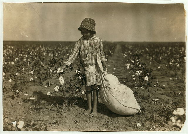 6-year old Jewel Walker. See 4564 and 4565.  Location: Comanche County--[Geronimo], Oklahoma / Lewis W. Hine.