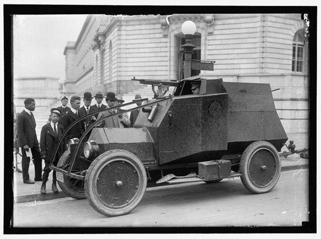 ARMY, U.S. ARMORED CAR