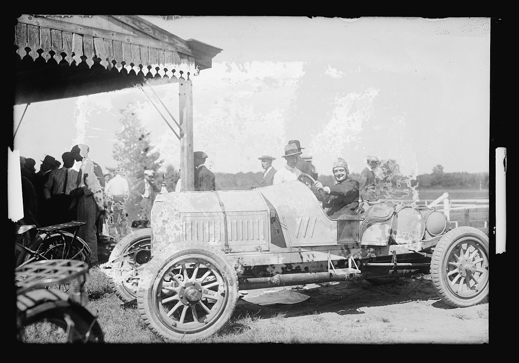Auto races, Benning, Md. [i.e., Washington, D.C.], Labor Day, 1916