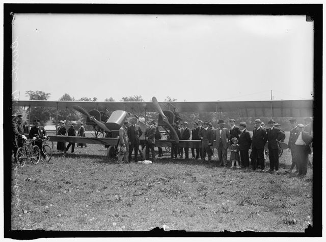 CURTISS AIRPLANE TESTS AND DEMONSTRATIONS; TWIN ENGINE BIPLANE, POTOMAC PARK