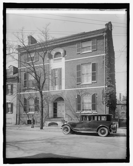 Dr. Fairfax home, Alexandria, Va. (Ford Motor Co.)