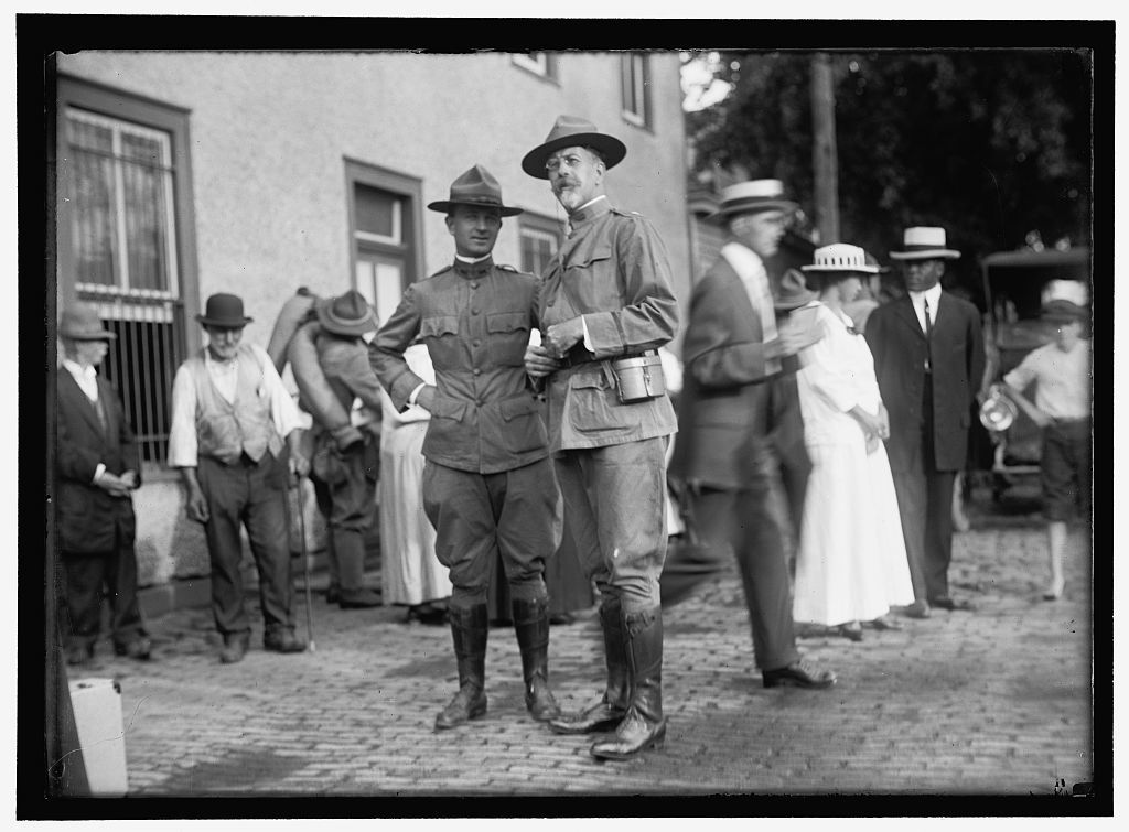 NATIONAL GUARD OF D.C. RETURNING FROM CAMP AT COLONIAL BEACH. COL. WILLIAM E. HARVEY AT RIGHT