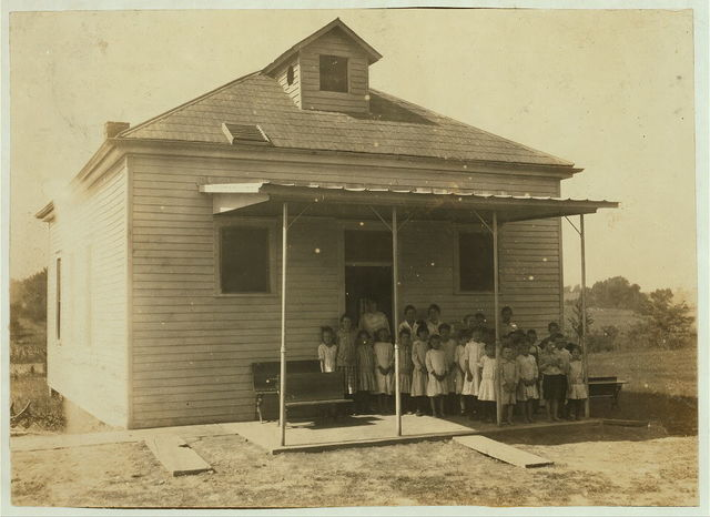 Pruett School which opened September 5th. 61 pupils in District and only 28 present. Expect an enrollment of 50. Only 1 boy of 11; the rest are 9 years and younger. Many out for work.  Location: Henderson County--Hebbardsville [vicinity], Kentucky / Lewis W. Hine.