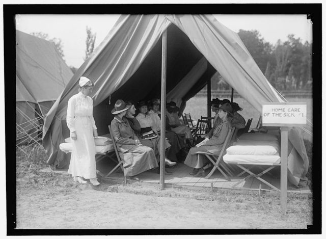 RED CROSS, AMERICAN. WOMEN'S NATIONAL SERVICE SCHOOL; RED CROSS INSTRUCTIONS IN CARE OF SICK