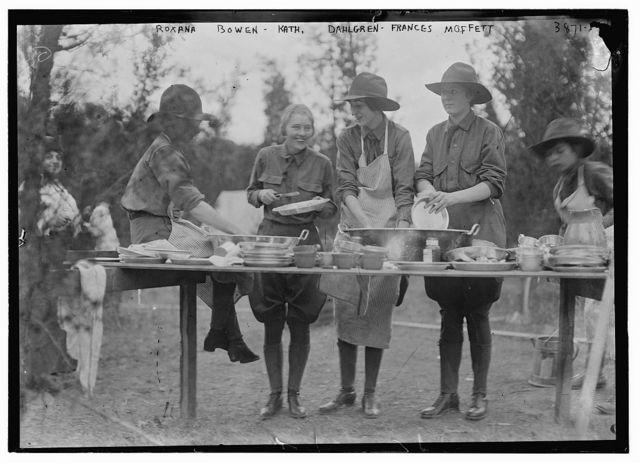 Roxana Bowen, Kath. Dahlgren, Frances Moffett
