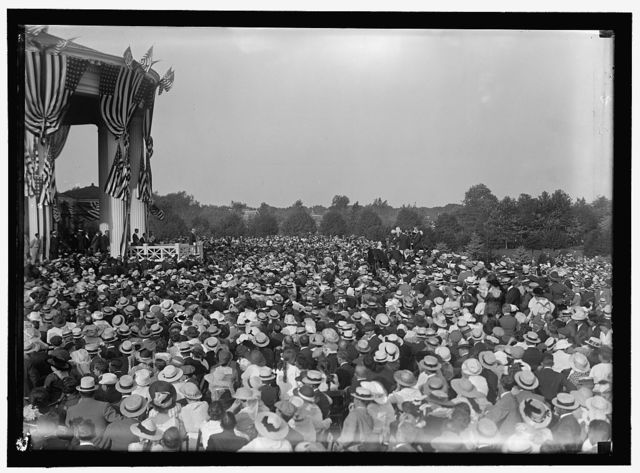 SHADOW LAWN, NJ. SUMMER WHITE HOUSE. NOTIFICATION CEREMONIES. CROWD ON LAWN