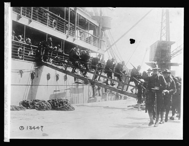 Transports discharging American troops in France