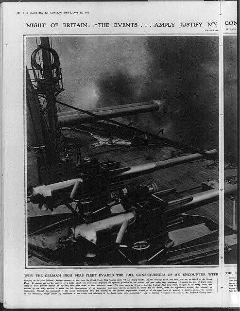 Why the German high seas fleet evaded ... the British fleet: on of our dreadnoughts firing a broadside