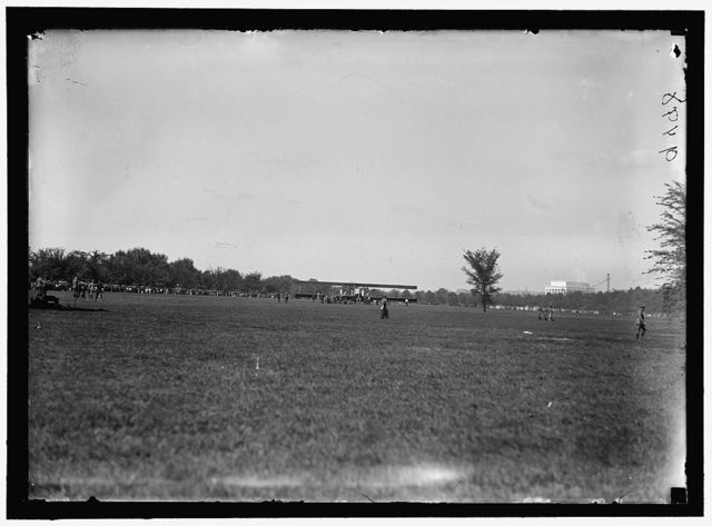 ALLIED AIRCRAFT. DEMONSTRATION AT POLO GROUNDS. CAPRONI BIPLANE, ITALIAN