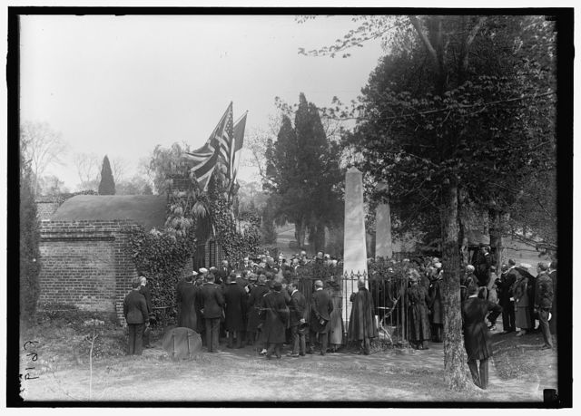 ALLIED COMMISSION TO U.S. AT MOUNT VERNON: GROUPS AT TOMB OF WASHINGTON