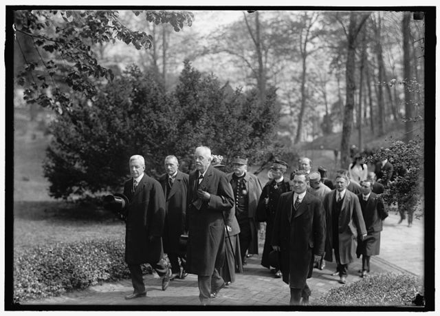 ALLIED COMMISSION TO U.S. AT MOUNT VERNON. IN GROUPS STROLLING ABOUT GROUNDS, MOST IMPORTANT PERSONS ONLY: LANSING; VIVIANI; BALFOUR; JOFFRE; CHOCHEPRAT