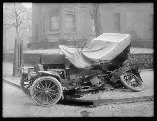 Auto wreck, Wash., D.C., c1917, Mass Ave.?