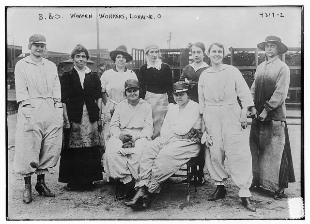B & O Women Workers, Loraine, O. [i.e. Lorain, Ohio]