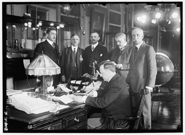 BARNETT, GEORGE, MAJ. GEN., COMMANDANT, U.S.M.C.; BLUE, VICTOR, REAR ADMIRAL, U.S.N.; CHIEF BUR. NAV.; DANIELS, JOSEPHUS, SECRETARY OF THE NAVY, 1913-1921; FECHTELER, A.F., CAPTAIN, U.S.N.; AIDE TO WINTERHALTER, DIVISION OF MATERIAL; FISK, BRADLEY A.; WAR COUNCIL