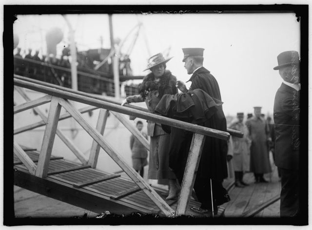 BARNETT, GEORGE, MAJ. GEN. COMMANDANT, U.S.M.C. WITH MRS. BARNETT BOARDING 'MAYFLOWER'