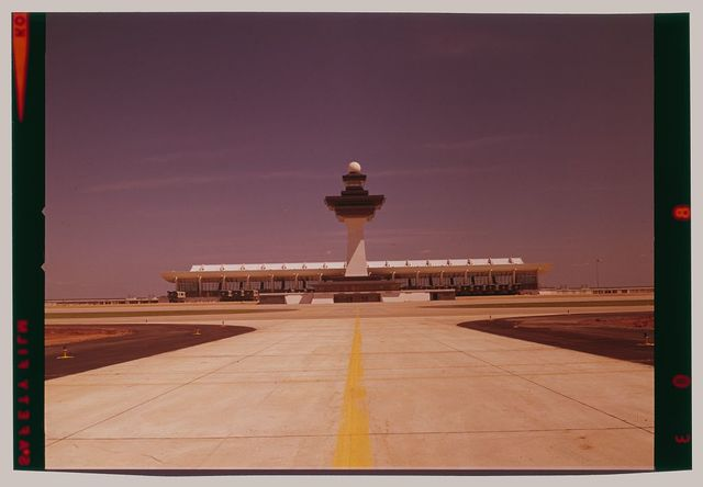 Dulles International Airport, Chantilly, Virginia, 1958-63 (Expanded by Skidmore, Owings & Merrill, 1998-2000). Distant exterior