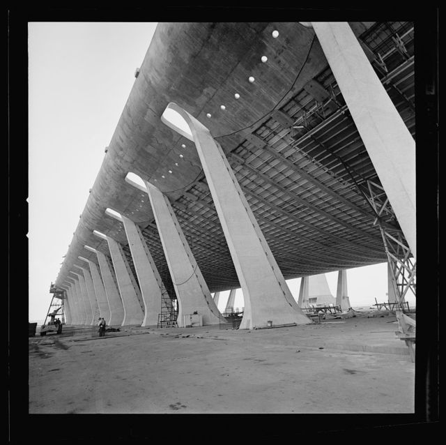 Dulles International Airport, Chantilly, Virginia, 1958-63 (Expanded by Skidmore, Owings & Merrill, 1998-2000). Construction