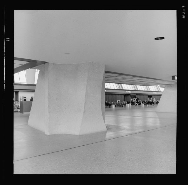 Dulles International Airport, Chantilly, Virginia, 1958-63 (Expanded by Skidmore, Owings & Merrill, 1998-2000). Interior