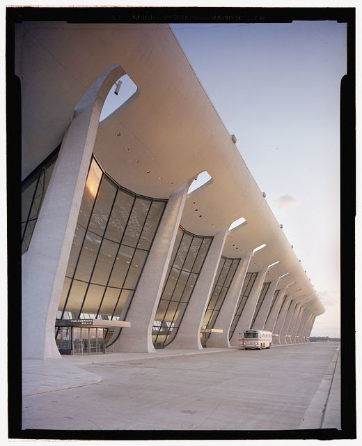 Dulles International Airport, Chantilly, Virginia, 1958-63 (Expanded by Skidmore, Owings & Merrill, 1998-2000). Exterior