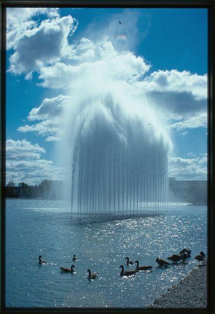 General Motors Technical Center, Warren, Michigan, 1945; 1946-56. Fountains