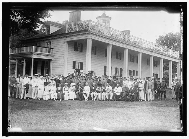 GROUP AT MOUNT VERNON
