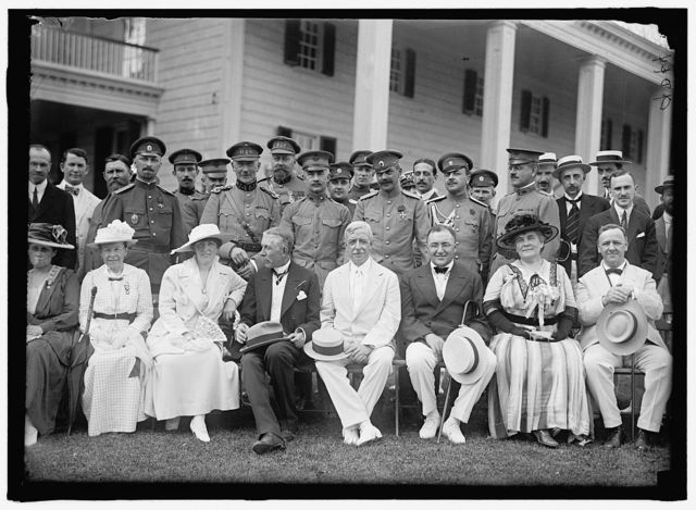 [GROUP AT MOUNT VERNON]