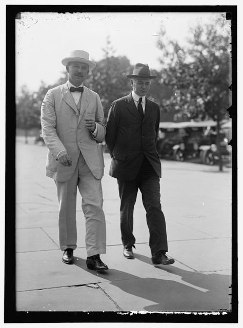HARRISON, FAIRFAX, PRESIDENT, SOUTHERN RAILWAY SYSTEM; CHAIRMAN, SPECIAL COM. ON NATIONAL DEF., AMERICAN RAILWAY ASSOCIATION, 1918. RIGHT, WITH HALE HOLDEN