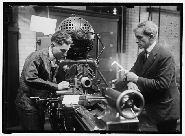 HECOX, C.W. INSTRUCTOR IN MACHINE SHOP, D.C. PUBLIC SCHOOLS. SUPERVISING MFR. OF PRACTICE SHELLS FOR NAVY, AT McKINLEY TRAINING SCHOOL
