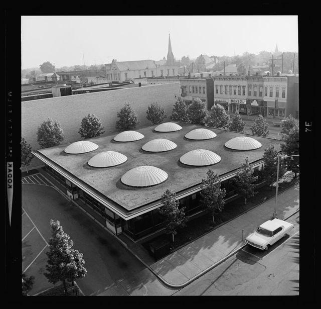 Irwin Union Bank & Trust Company, Columbus, Indiana, 1950-57. Aerial view