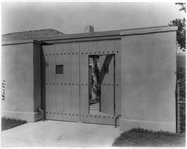 "[""Mi Sueño,"" Herbert Coppell house, 1245 South Grand Avenue, Pasadena, California. Gate from Grand Avenue]"