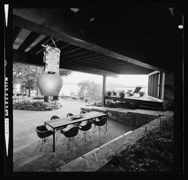 Miller house, Ontario, Canada, 1950-52. Dining terrace