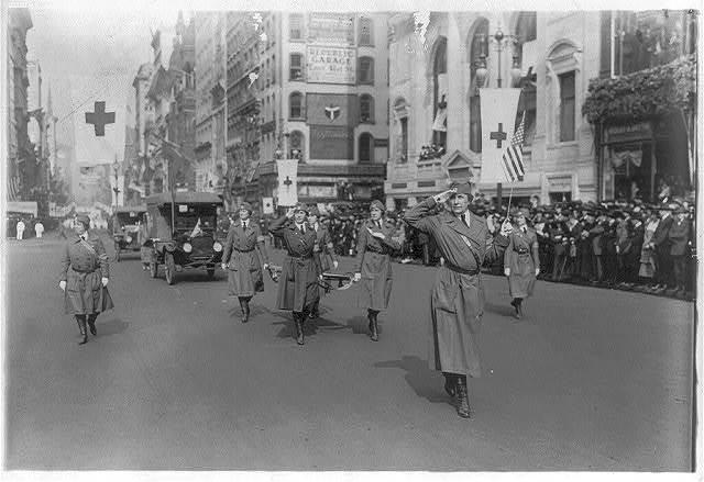 Mrs. Borden Harriman heading Washington Ambulance Corps in Red Cross parade