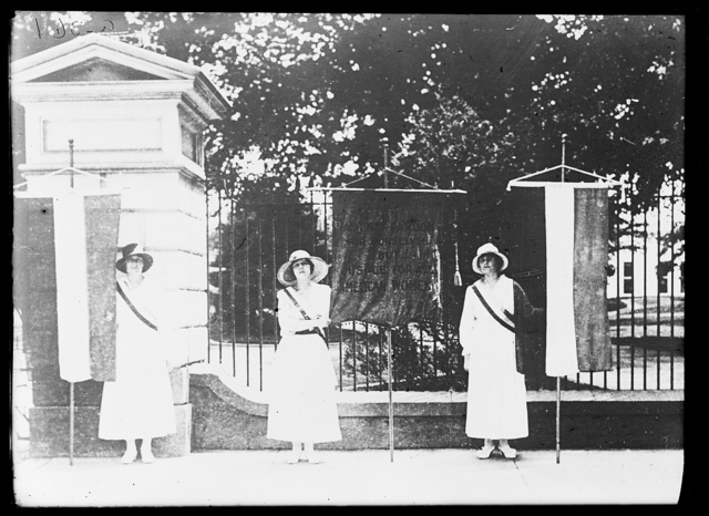 [White House pickets of the Congressional Union for Woman Suffrage, Washington, D.C.]