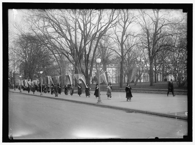 WOMAN SUFFRAGE PICKETS AT WHITE HOUSE