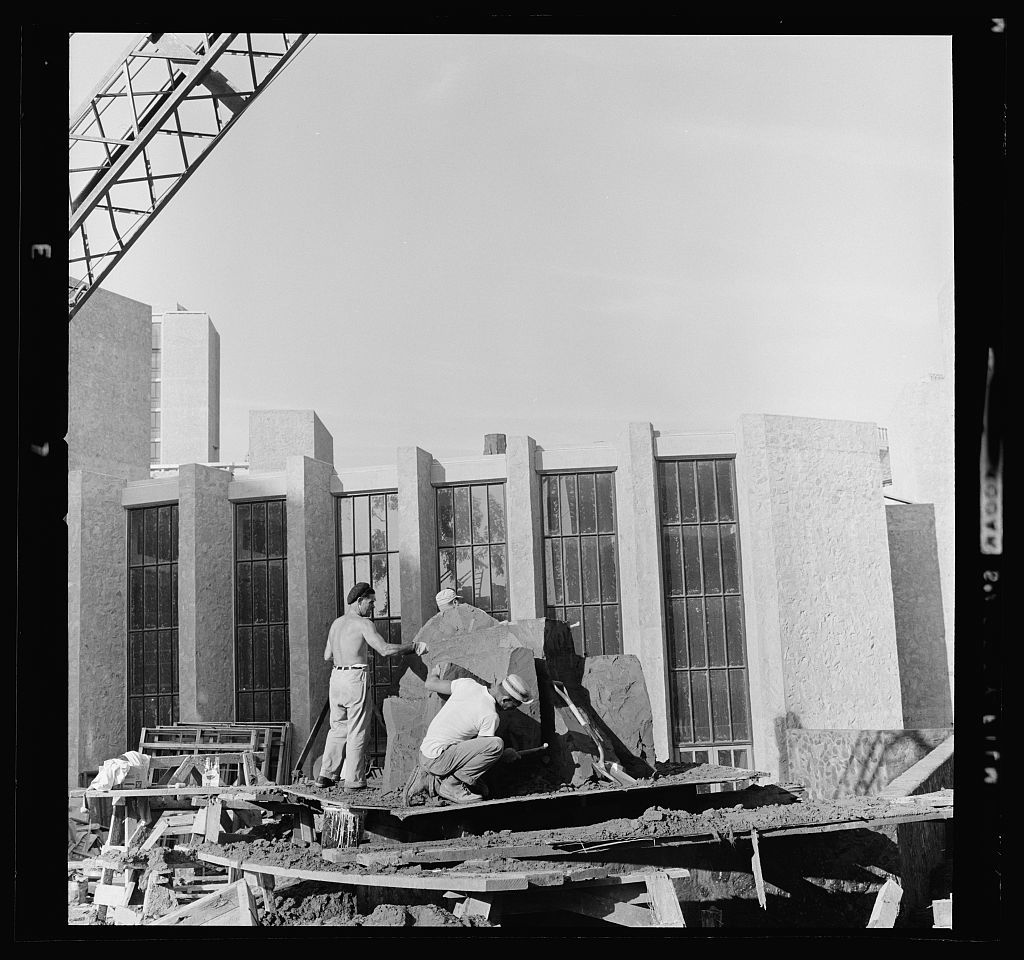 Yale University, Samuel F.B. Morse and Ezra Stiles Colleges, New Haven, Connecticut, 1958-62. Construction