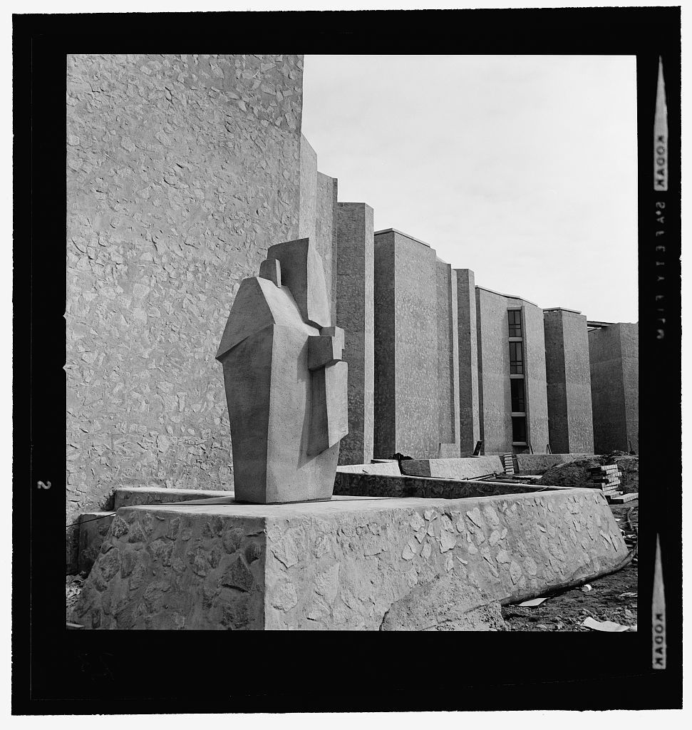Yale University, Samuel F.B. Morse and Ezra Stiles Colleges, New Haven, Connecticut, 1958-62. Construction