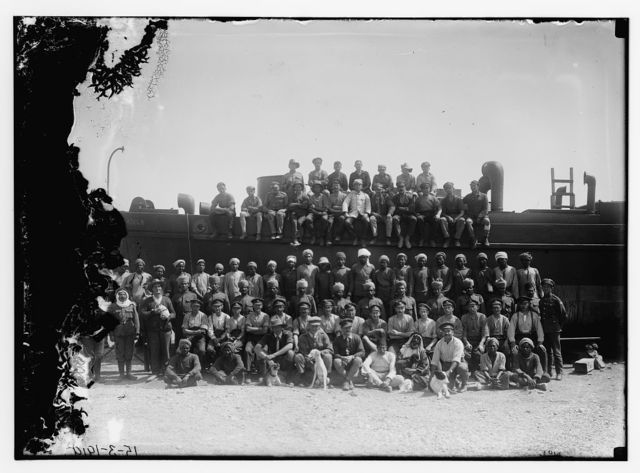[British engineers with German prisoners, boatbuilding, Dead Sea, 1918]