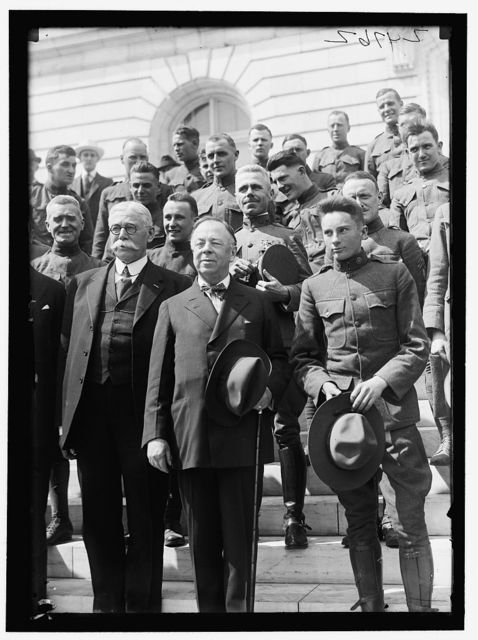 CHAMBERLAIN, GEORGE EARLE, SENATOR FROM OREGON, 1909-1921; MEMBER, U.S. SHIPPING BOARD, 1921-1923. ARMY; SOLDIERS AT SENATE OFFICE BUILDING