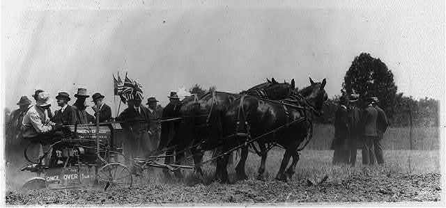 """Demonstration, probably in or near Washington, D.C., of the """"once over"""" tiller, manufactured by Scientific Farming Mach. Co., Minneapolis, Minn."""