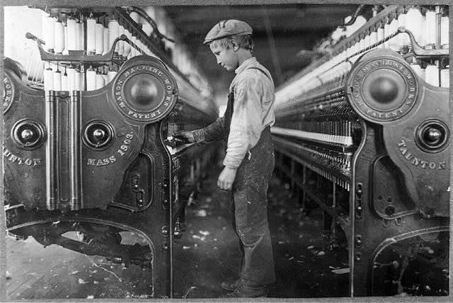 Doffer in a Lincolnton, (N.C.) mill.  Location: Lincolnton, North Carolina.