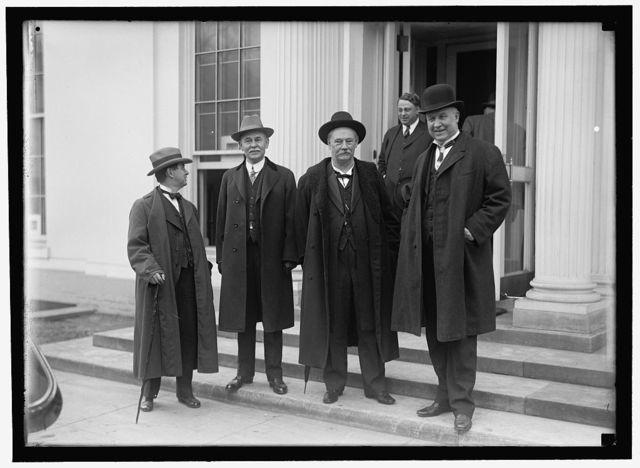 [HARDWICK, THOMAS WILLIAM, REP. FROM GEORGIA, 1902-1914; SENATOR, 1914-1919; GOVERNOR, 1921-1923. GROUP: HARDWICK, DR. M.L. BRITTAIN, GA. COMMR. ED.; N.A. HARRIS, GOVERNOR OF GEORGIA; SEN. HOKE SMITH]