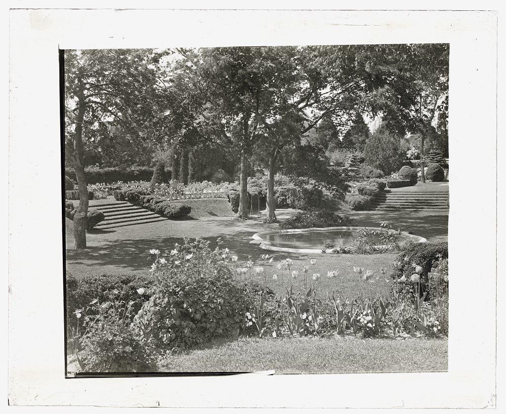 "[""Killenworth,"" George Dupont Pratt house, Glen Cove, New York. Green Garden]"