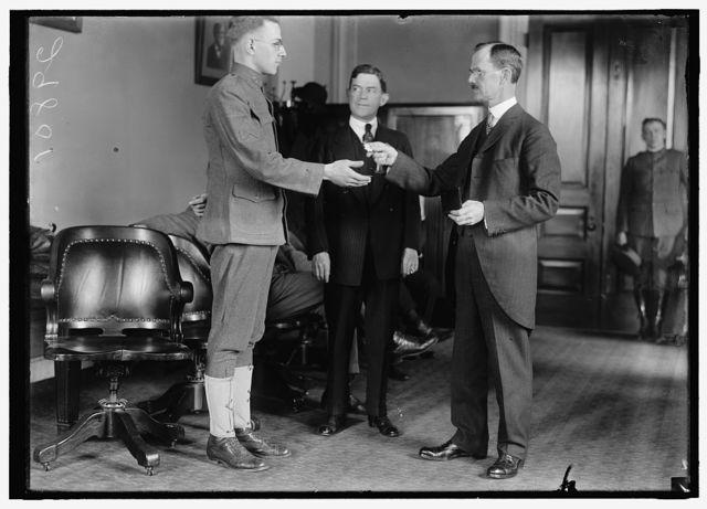 LINN, SGT. W.A. RECEIVING WATCH PRESENTED BY J. HAMPTON MOORE
