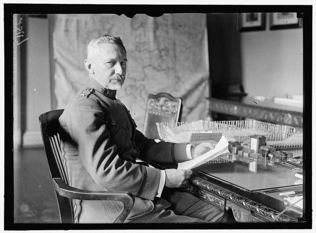 MARCH, PEYTON C., MAJ. GEN., U.S.A., CHIEF OF STAFF. AT DESK