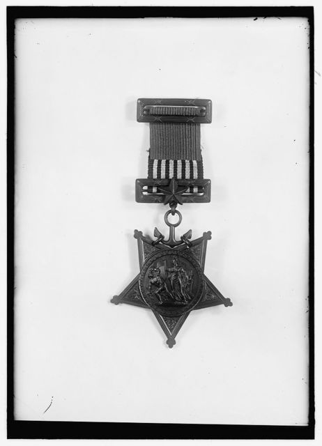 MEDALS, DECORATIONS, ETC. NAVY MEDAL OF HONOR
