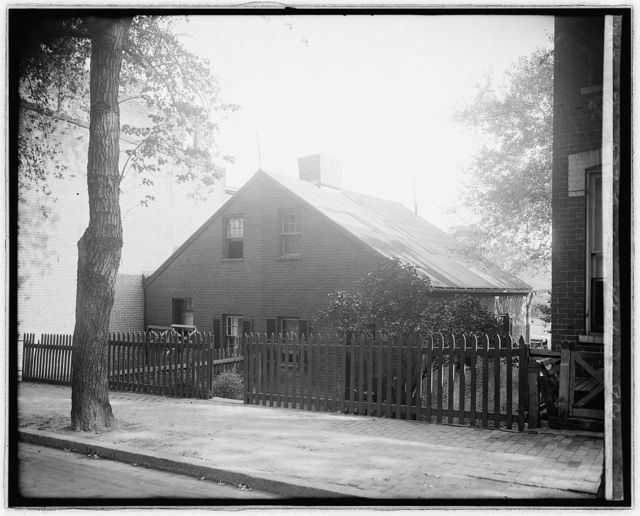 Mrs. E.T. Goodman, old house on P St., [Washington, D.C.]